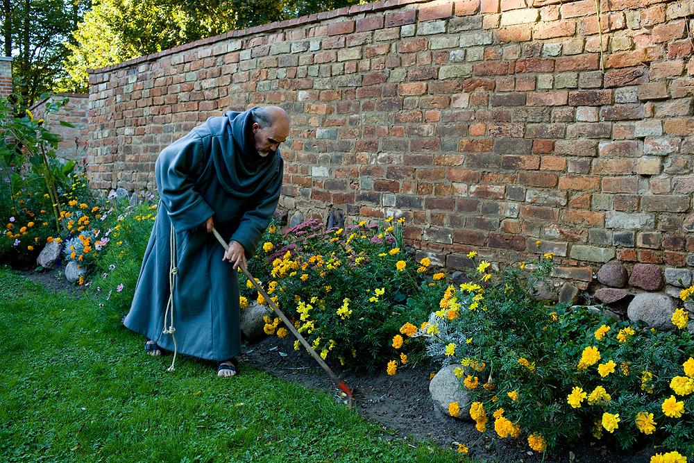 Kulturort brandenburg m nch im ehem franziskanerkloster for Garten arbeiten